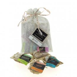 Pochon en lin contenant 4 savons d'invités  Ayurvédiques de 20 gr( Bergamote, Basilic, Curcuma, Vétiver )