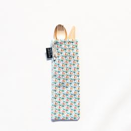 Couverts en bois avec pochette en coton - Motif Wopa